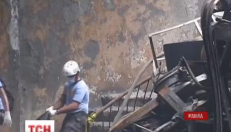 Кількість жертв пожежі на взуттєвій фабриці у Манілі зростає