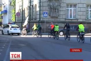 До давньої християнської святині на Львівщині вирушило велосипедне паломництво