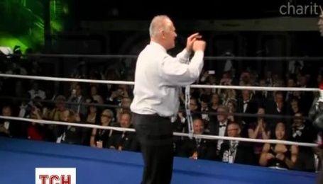 Легендарний Холіфілд знову вийшов на ринг заради дітей