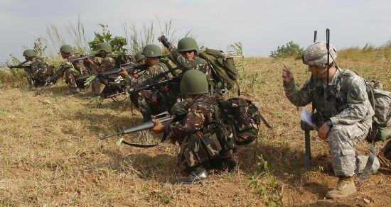 Південна Корея і США призупинили підготовку до військових навчань