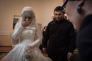 """""""Свадьба века"""" в Чечне. В женщине, зарегистрировавшей брак, узнали журналистку"""