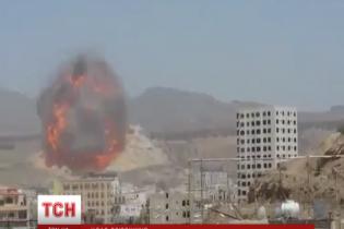 В йеменских городах вспыхнули уличные бои