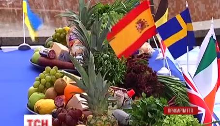 Участники кулинарного фестиваля в Буковеле создали вкусные еврофлаги