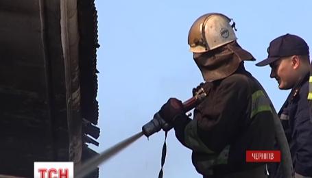 В Чернигове потушили пожар на центральном рынке