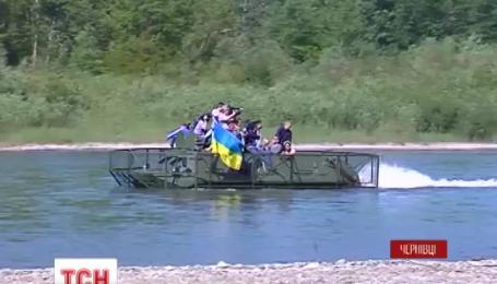 Буковинські прикордонники відремонтували три бронетранспортери для АТО