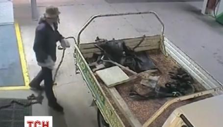 Ограбление банкомата неудачнику не принесло добычи