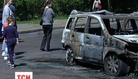 Сегодня ночью в спальном районе столицы горели машины