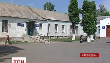 На Миколаївщині мати втопила власну п'ятимісячну доньку у відрі з водою