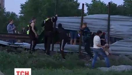 Жители Осокорков снова протестуют против скандальной застройки