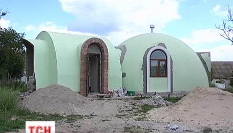 Херсонцы переходят жить в нестандартные круглые дома