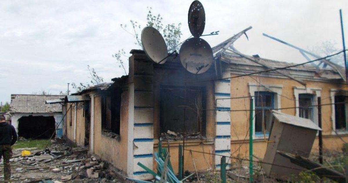 В результате обстрелов боевиков на Донбассе погибло двое местных жителей
