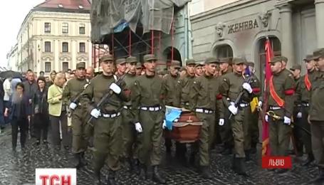 С двумя военными попрощались накануне во Львове