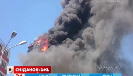 В Баку дотла сгорела многоэтажка