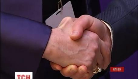 Є цілковиті докази присутності російської армії в Україні – Порошенко