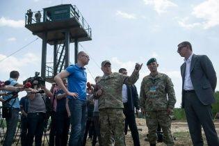 """Украина построит """"стену"""" на границе с Россией через три года – Яценюк"""