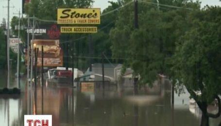 В США бушует стихия: рекордные осадки привели к масштабным наводнениям и торнадо