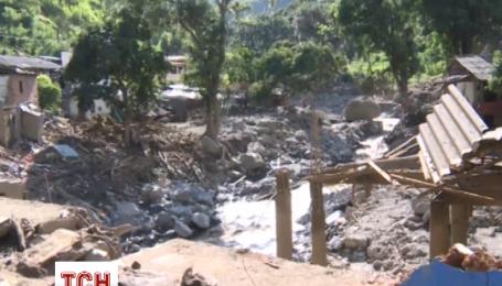 В Колумбії внаслідок обвалу понад 1000 осіб стали бездомними