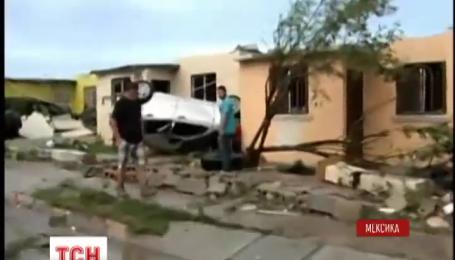 На півночі Мексики ліквідовують наслідки руйнівного торнадо