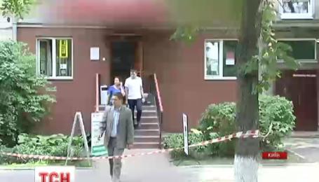 Вооруженный злоумышленник требовал деньги в отделении банка в Голосеевском районе столицы