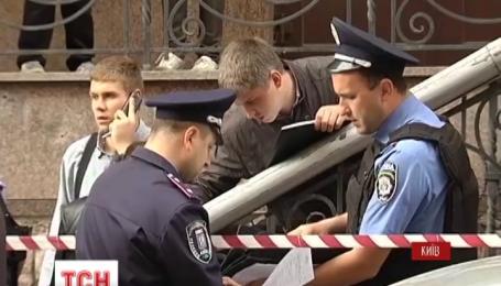 В Киеве мужчина с гранатой взял в заложники своего же ребенка
