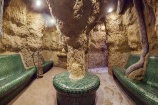 """Термальні води Косино: """"знущальні ванни"""" і """"дорога тортур"""""""