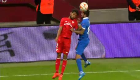 Матеус потерял сознание после столкновения на матче Днепр-Севилья
