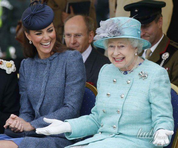Кейт Міддлтон та Королева Єлизавета ІІ