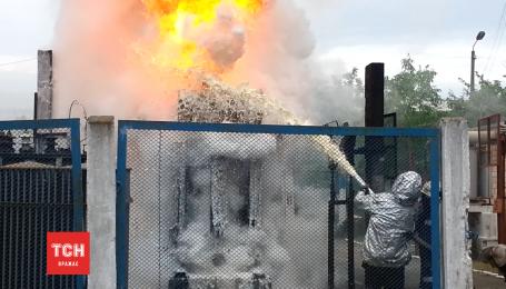 Петрівку затягнуло чорним димом через пожежу трансформатора