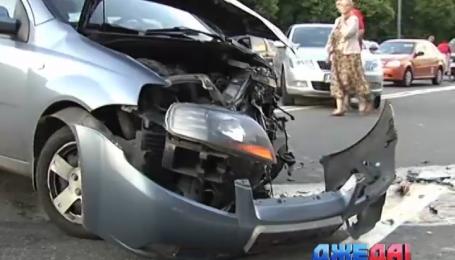 В Киеве из-за аварии в центре возникла 15-километровая пробка