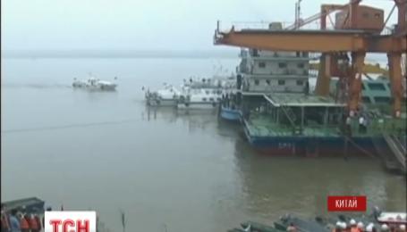 В Китае задержали капитана парома, затонувшего в реке Янцзы