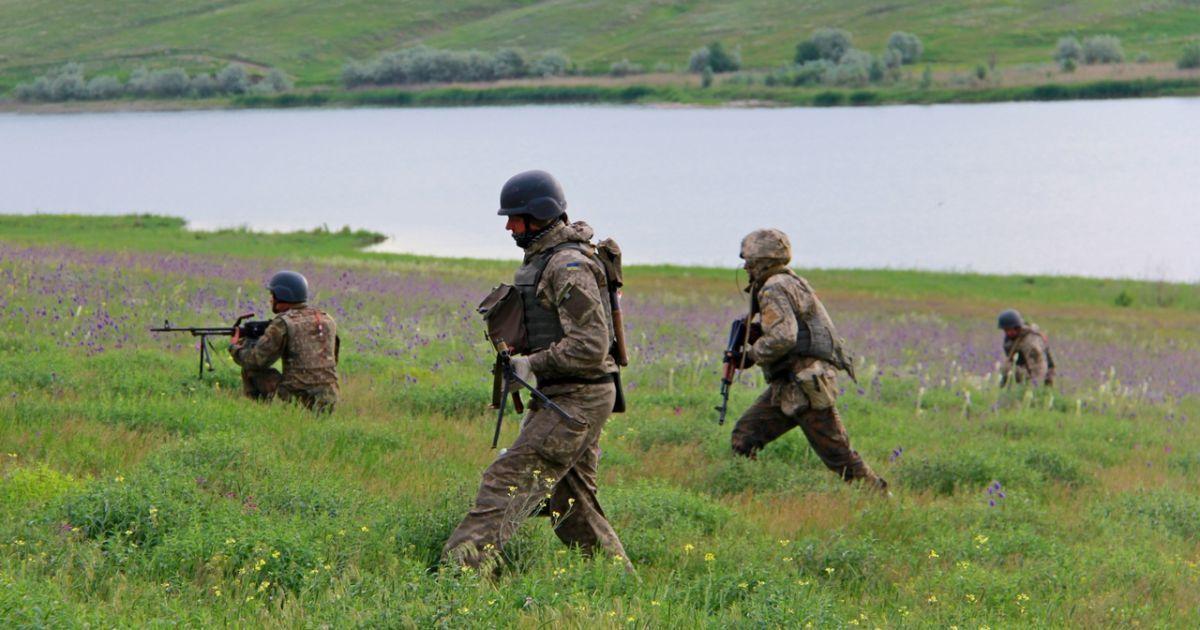 В Украине вступил в силу закон о правовом режиме военного положения