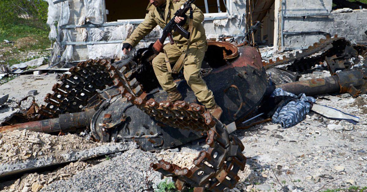 Боевики накрыли обстрелом из артиллерии мирный поселок Острое