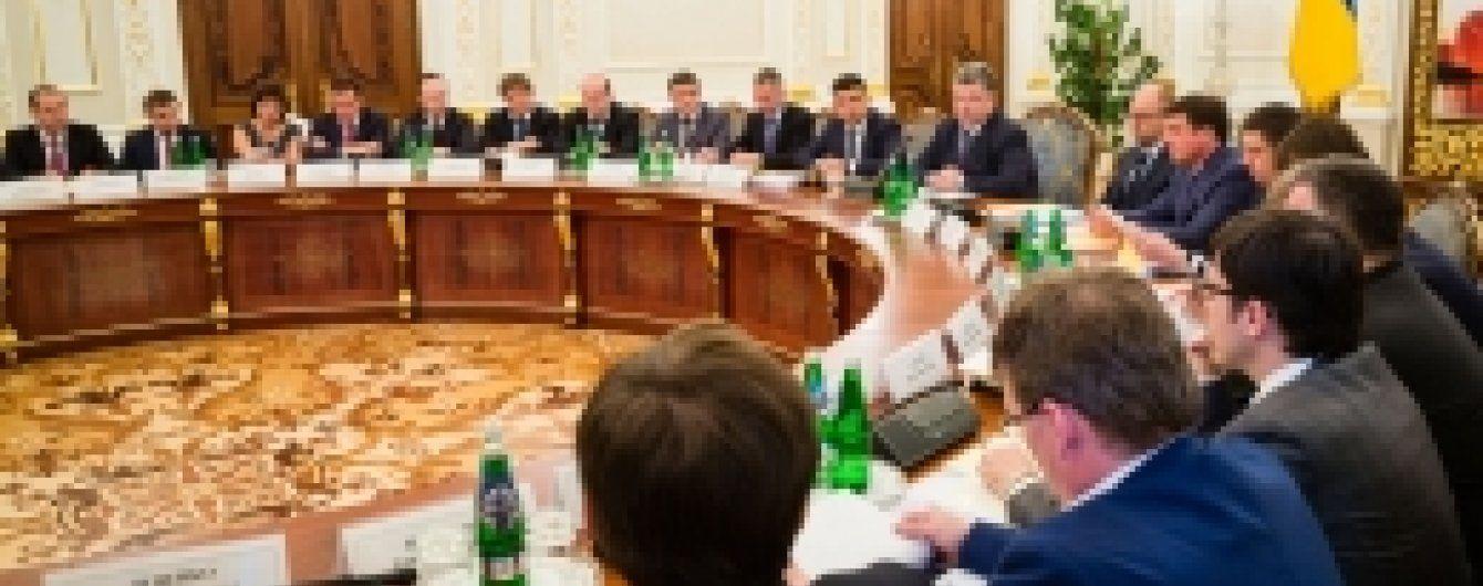 Порошенко закликав відкликати закон про держслужбу, який підтримує ЄС - ЗМІ