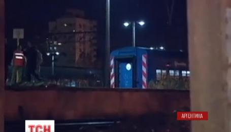 Более полусотни человек получили ранения, когда два поезда столкнулись близ Буэнос-Айреса