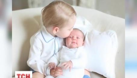 Опубліковані перші спільні фото принца Джорджа та принцеси Шарлотти