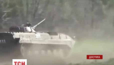 Українські бійці підірвалися на протитанковій міні неподалік Мар'їнки