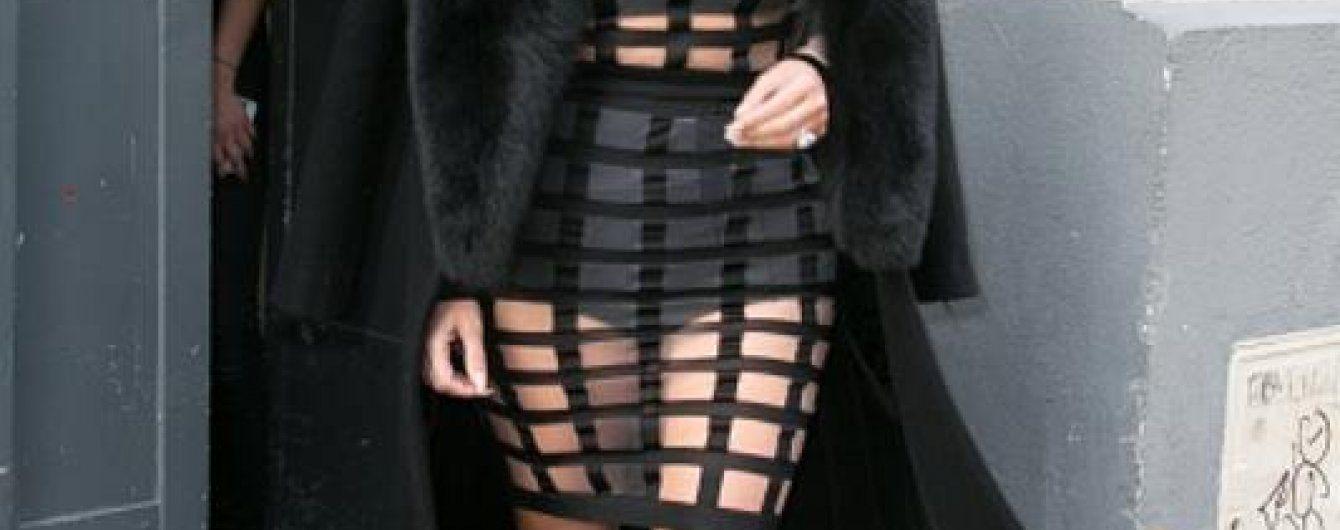 Платье из сетки трясет булками фото 629-117