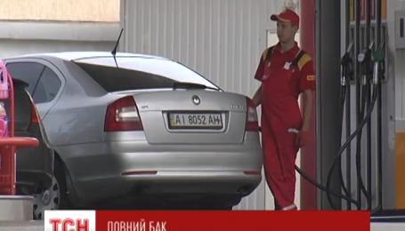 Через пожежу на нафтобазі під Васильковом Кличко збирається перевірити усі нафтобази та АЗС столиці
