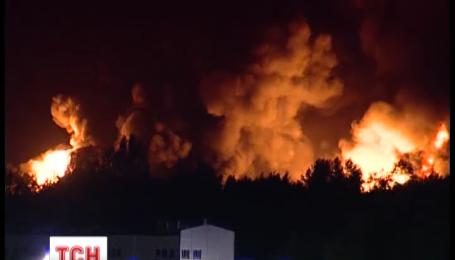 Як виглядає епіцентр вибуху на нафтобазі в Василькові