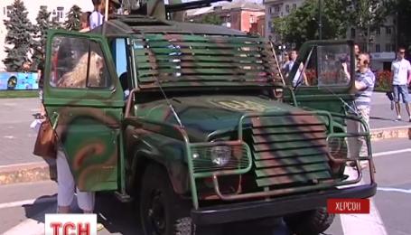 Модернизированный и бронированный УАЗ передали волонтеры батальону «Херсон»