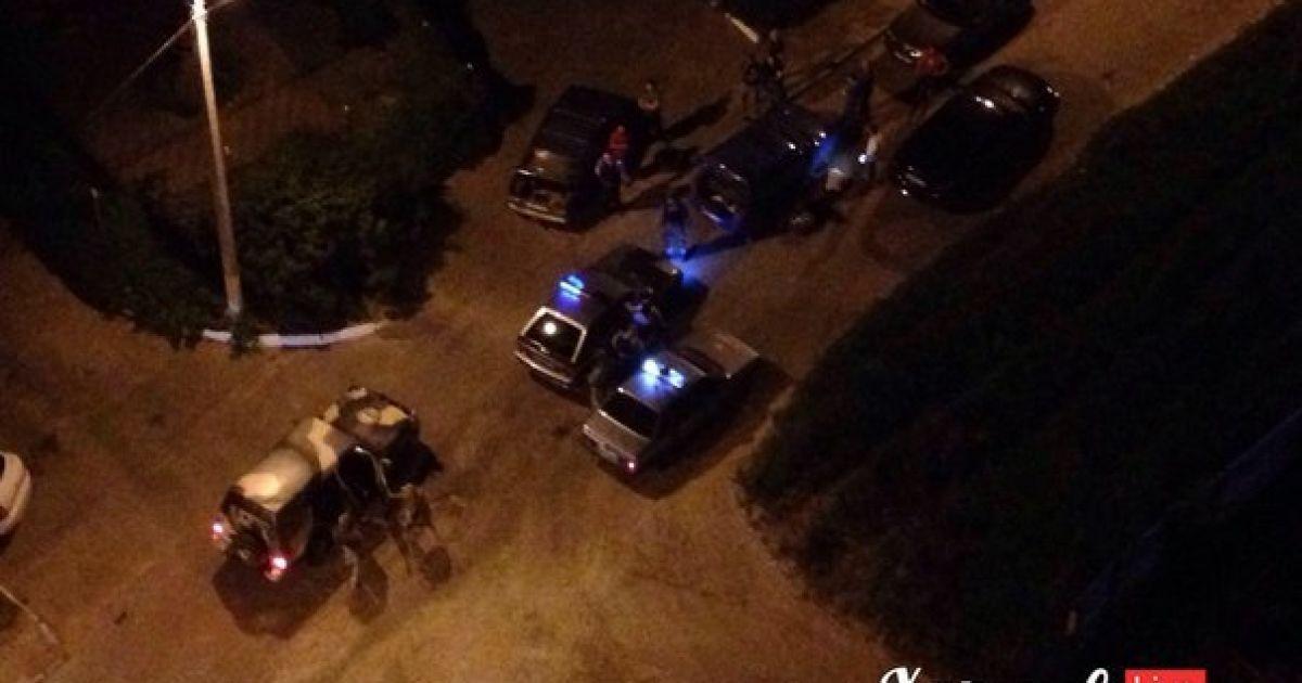 На месте происшествия работает милиция. @ ВКонтакте/Харьков live
