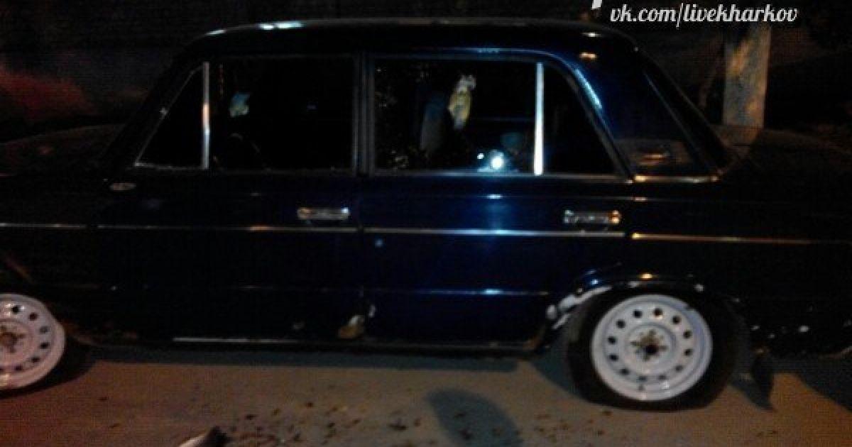 Машина, которая пострадала от нападавших. @ ВКонтакте/Харьков live