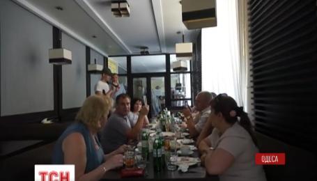 День народження під час робочого дня святкували судді Одеського обласного апеляційного суду