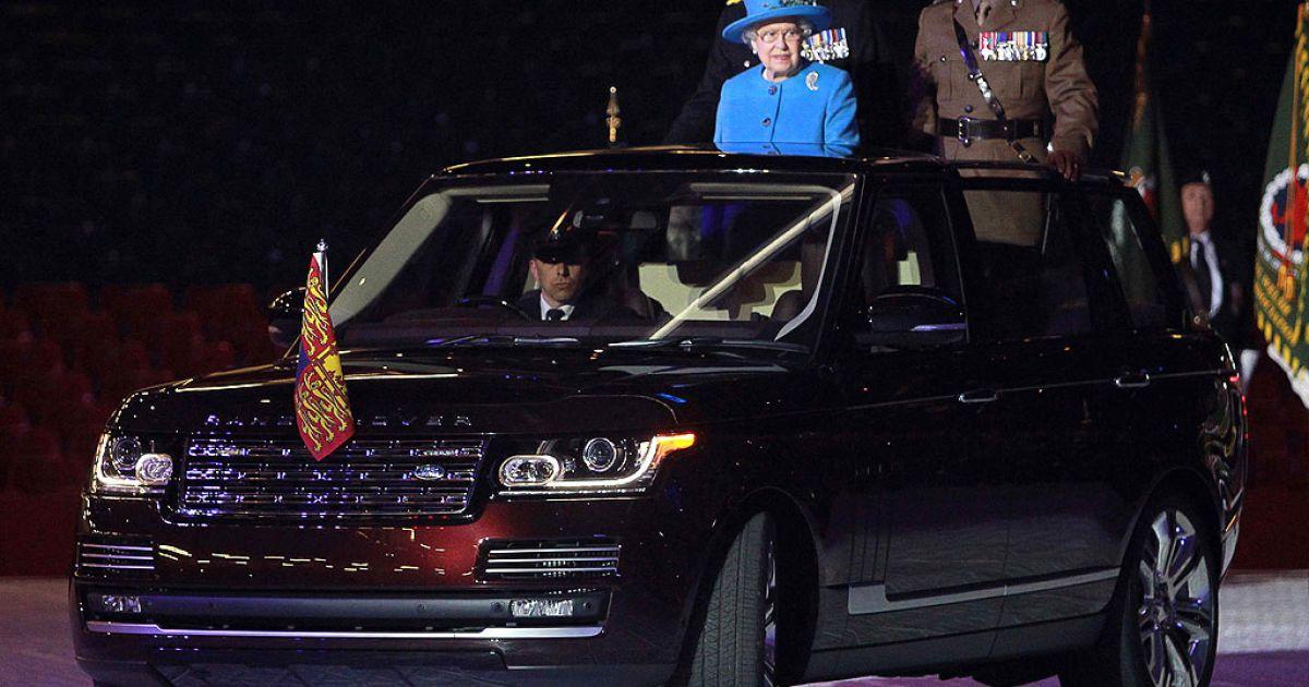 Range Rover Hybrid пополнил автопарк королевы Елизаветы II
