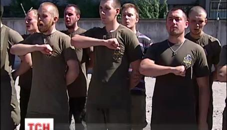 Полк «Азов» приурочил экзамен для своих новобранцев к годовщине освобождения Мариуполя