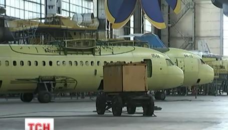 Порошенко хоче від заводу «Антонов» безпілотників, транспортних та спеціалізованих літаків