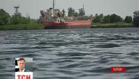 Судовладельцы из-за рубежа отказываются посылать корабли в аннексированный Крым
