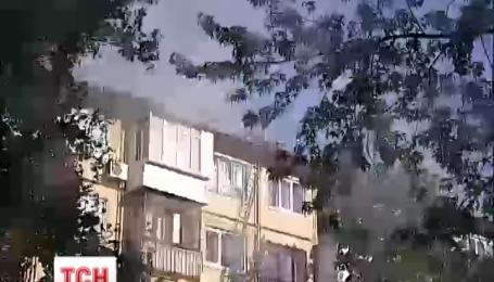 Огонь оставил накануне столичную хрущевку без крыши