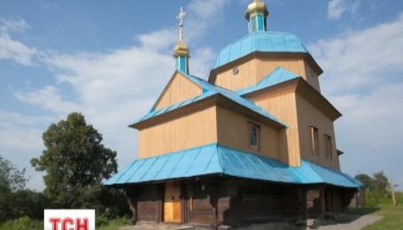 На Львівщині згоріла старовинна дерев'яна церква