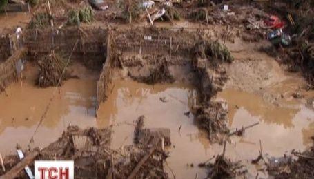 У Тбілісі почали прибирати після руйнівної повені
